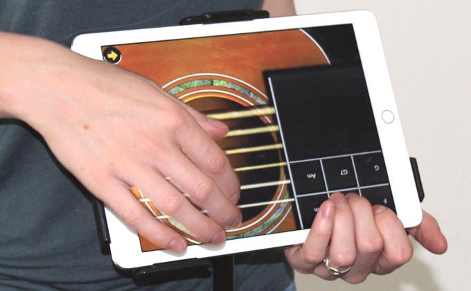 Vom Spielen Der Gitarre Bis Zum Spielen Mit Der Muschi